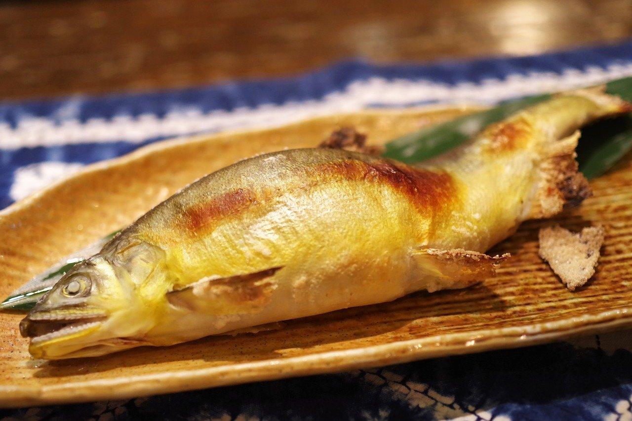 喉 魚の 骨 が 刺さっ た よう な 痛み 『喉に魚の骨』が刺さった時の正しい対処法とは?予防策も解説!